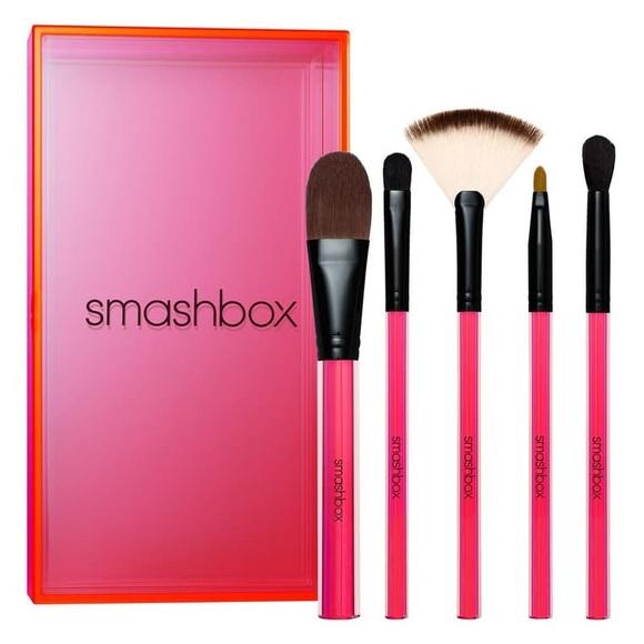 Smashbox Other - Smashbox light it up essential brush set
